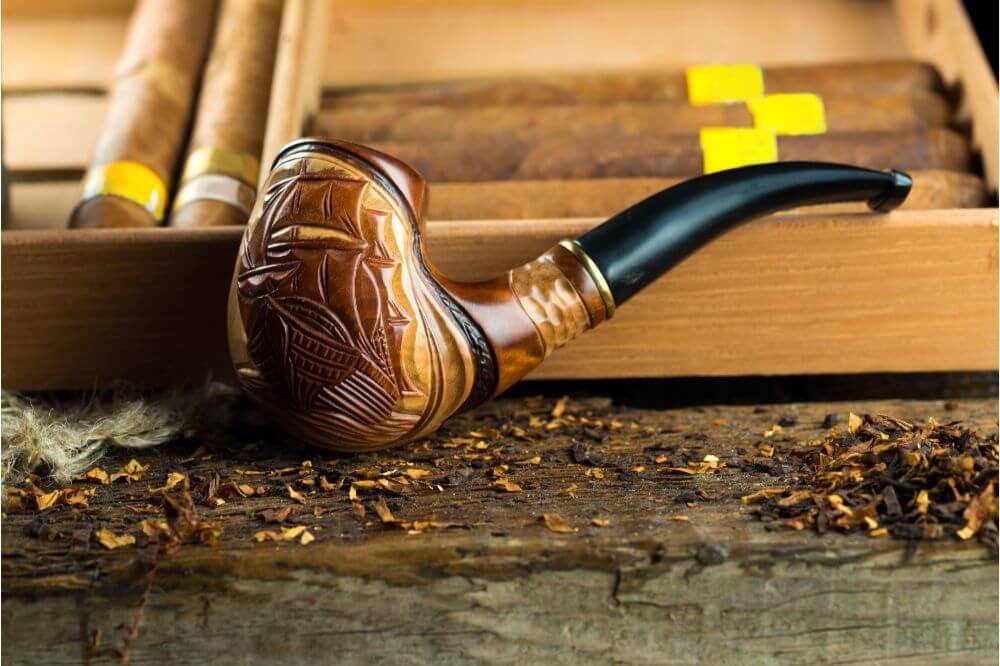Pipes vs Cigars
