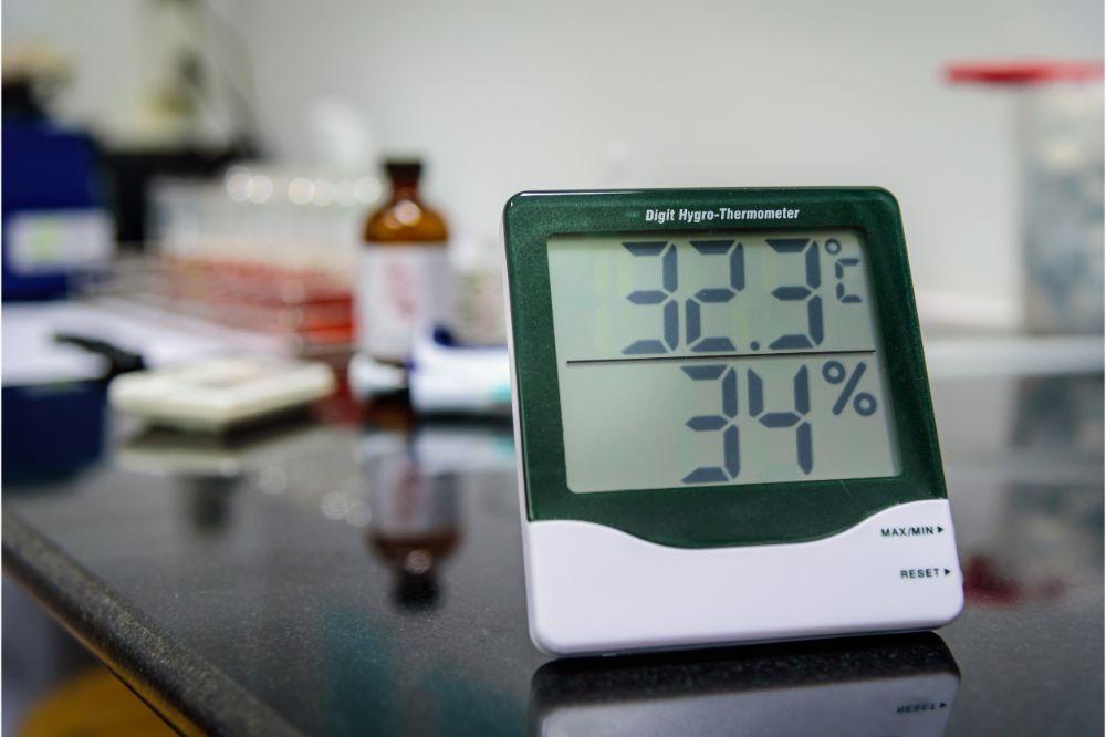 acuRite digital hygrometer