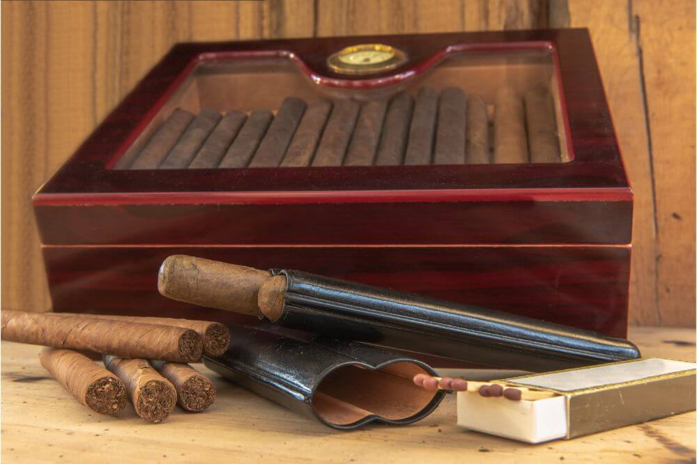 Case Elegance Glass Top Handcrafted Cigar Humidor