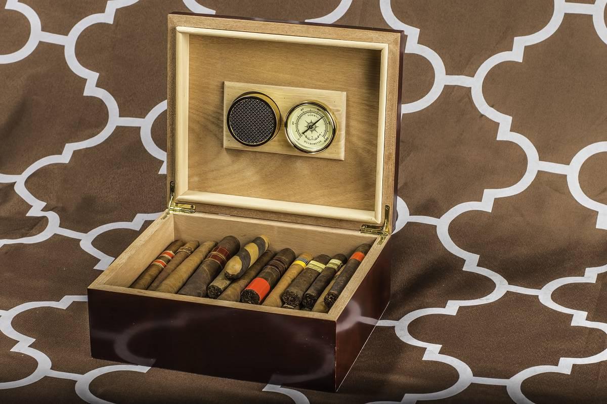 How to Season a Cigar Humidor