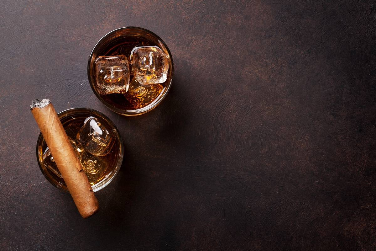 best drinks to pair with cigars