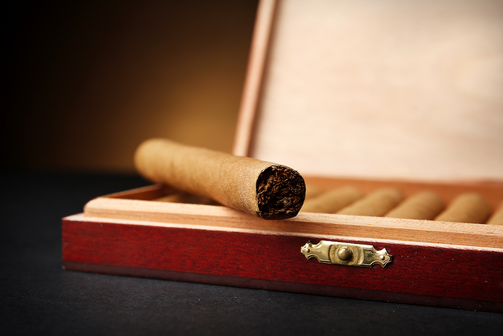 tips on how to date a cigar box